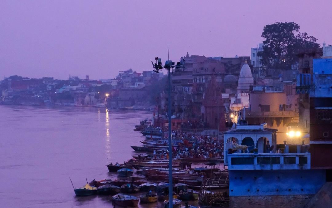 「インド・バラナシ・巡礼の町」をアップしました